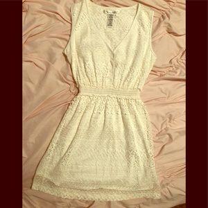 Dresses & Skirts - Women's white dress 👗